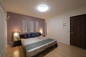 贅沢な主寝室の広さと設備をぜひ現地でご覧ください