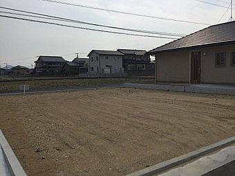 敷地面積168.86m2(51.08坪)区画の整った閑静な住宅地です。