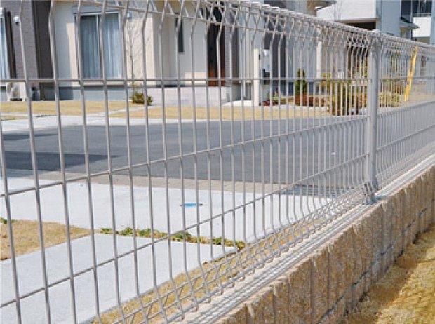 【【23号棟】その他画像】【フェンス・ブロック】敷地の境界部分には、分譲地それぞれのデザインやコンセプトに合わせたフェンス・ブロックを採用しています。