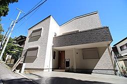 小田急線「生田」駅徒歩6分  前面道路は車通りも少なく静かな環境