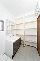 現地モデルハウス6号地「洗面化粧室」