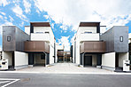 阪急神戸線「武庫之荘」駅より徒歩11分、自由設計・全12邸都市型住宅の街。
