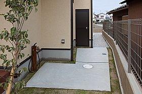 ■外部収納周りには、作業しやすいようにスペースを広く取って