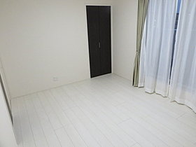 ●広々した主寝室♪