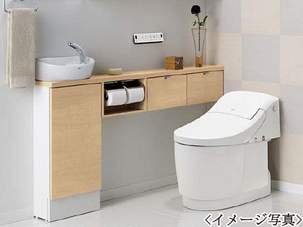 【ウォシュレット付トイレ】1階、2階ともにウォシュレットを完備しております。2ヶ所にトイレがあるのは朝の慌ただしい時間も安心です。