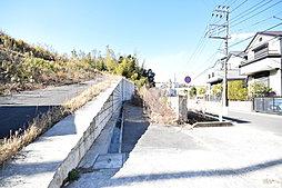 新築2階建 大船駅利用 ~永住の地に相応しい緑に包まれた環境~