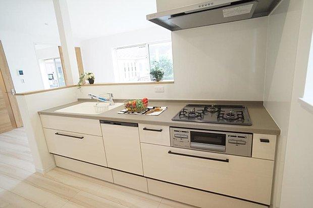 【キッチン】~kitchen~  料理をしながらでもご家族との会話を楽しめる対面キッチン