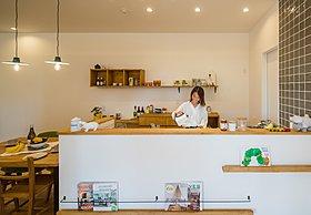 【リビング体感ショールーム】造作棚がナチュラルカワイイ食卓。