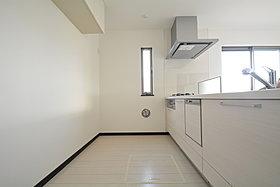 家事をしながらもリビングが見渡せる対面キッチン