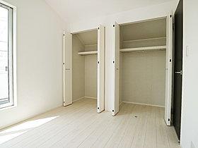 暮らし心地を大きく左右する収納を適材適所に配置。