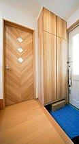 玄関にはトールサイズのシューズボックスを設置。