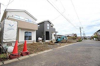 (現地外観写真)住まいの安心を支える「鉄筋入りコンクリートベタ基礎」