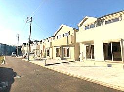 ライズモール約200m。バス停は徒歩2分の立地に全12棟新築住...