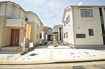 閑静な住宅街に位置した全4棟の新築戸建ては耐震等級最高3取得の安心設計。あこがれのマイホーム暮らしがはじまります。