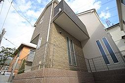 JR東戸塚駅利用・パントリー、リビングイン階段の2階建新築分譲...