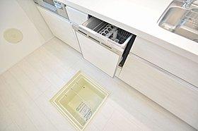 食洗機付の対面式キッチン