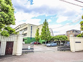 松江中学校まで1300m 活気と笑顔がある学校 地域が誇れる