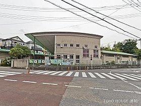 奈良保育園まで610m