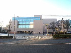 南浦和図書館