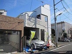 閑静な住宅街「千早」にルーフバルコニーを備えた、2階建て車庫付...