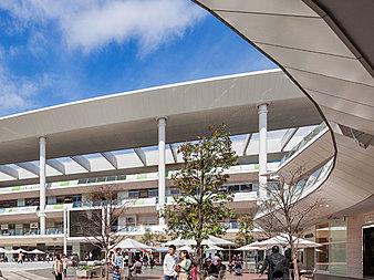 大型商業施設。映画館やショッピング一日中居ても飽きないほどの広さと店舗数です。