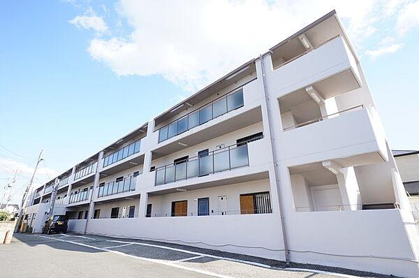 兵庫県宝塚市山本野里1丁目の賃貸マンションの外観