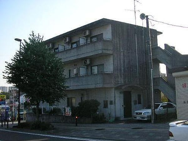 アーネストコート[3階]の外観