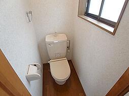 戸崎通3丁目ハイツの小窓付換気の良いトイレ