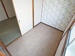 サンヒルズ須磨の洋室は非常に綺麗なフローリング