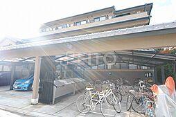 京洛マンション[1階]の外観