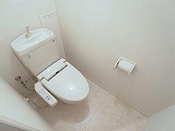 ペイ・ヴィラージュのウォシュレット付きトイレ