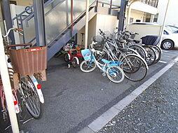 自転車はこちらに置けます