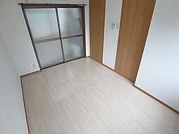 荒田ハウスの天井も高く広々感じれる室内
