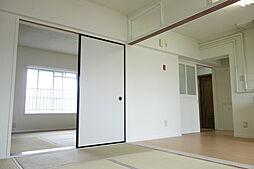 ビレッジハウス五個荘2号棟の解放感のあるお部屋