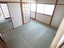 サンヒルズ須磨の今回のお部屋は側面窓がありません。
