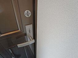 戸崎通3丁目ハイツの玄関ドアはダブルロック