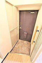 ドムール板宿の玄関