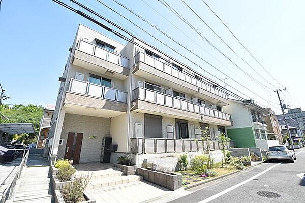 東京都多摩市鶴牧6丁目の賃貸アパートの外観