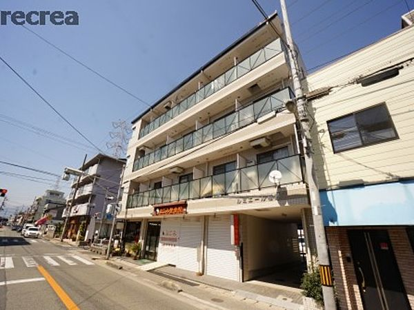 兵庫県伊丹市南町4丁目の賃貸マンションの外観