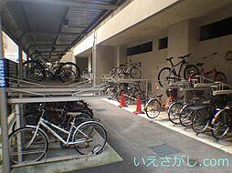 レジディア三宮東の駐車場