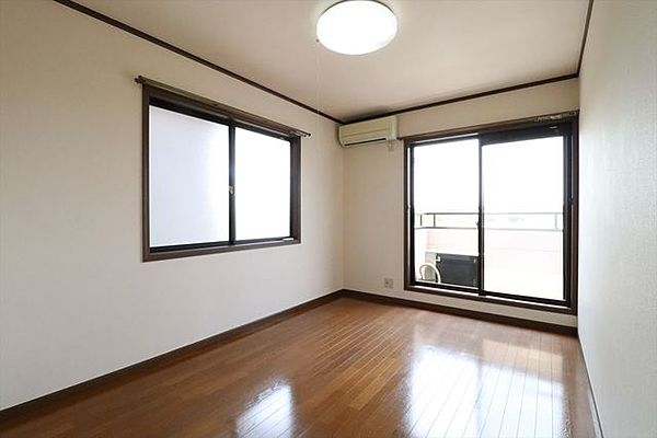 エスポワールの洋室