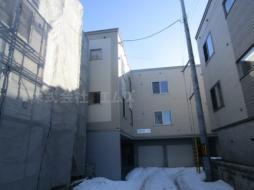 札幌市営東西線 東札幌駅 徒歩18分の賃貸アパート
