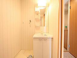 ラクラス浅間町の脱衣所 独立洗面台付 洗濯機ご用意できます