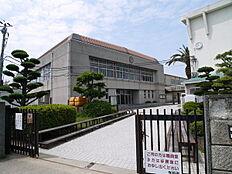 加古川市立中部中学校まで1088m