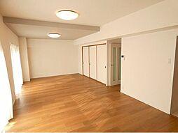 和室を開放するとさらに広々空間です。