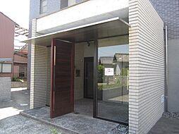 グリ−ンハイム三軒[1階]の外観