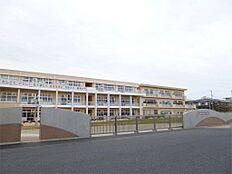 日立市立坂本小学校(147m)