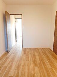 こちらのお部屋はこども部屋や趣味のお部屋にいかがでしょうか