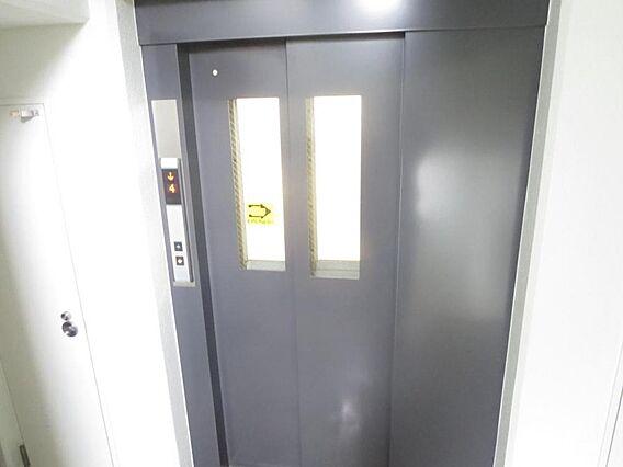 エレベーターマ...
