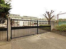 町田市立鶴川第三小学校まで約867m